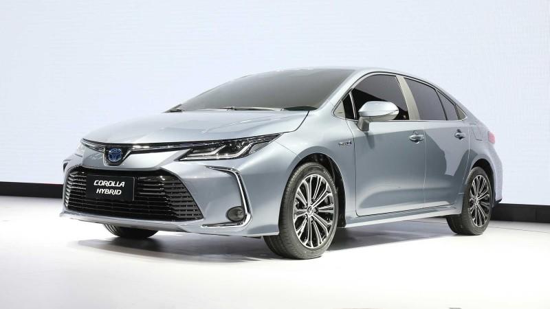 2020 Toyota Corolla 1.8 Hybrid 122 PS e-CVT Flame / 3,8 Litre